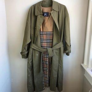 VTG Burberry Trench Coat Sz 42 Short Wool Lining